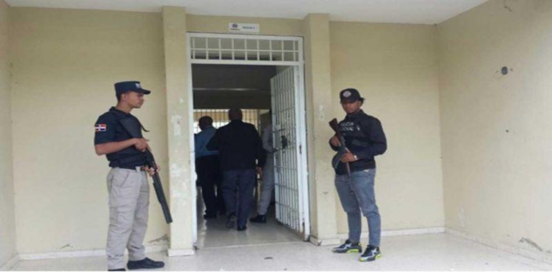 Incautan drogas y armas blancas en cárcel menores Santiago