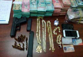 Dican incauta millones de pesos y drogas en Santiago