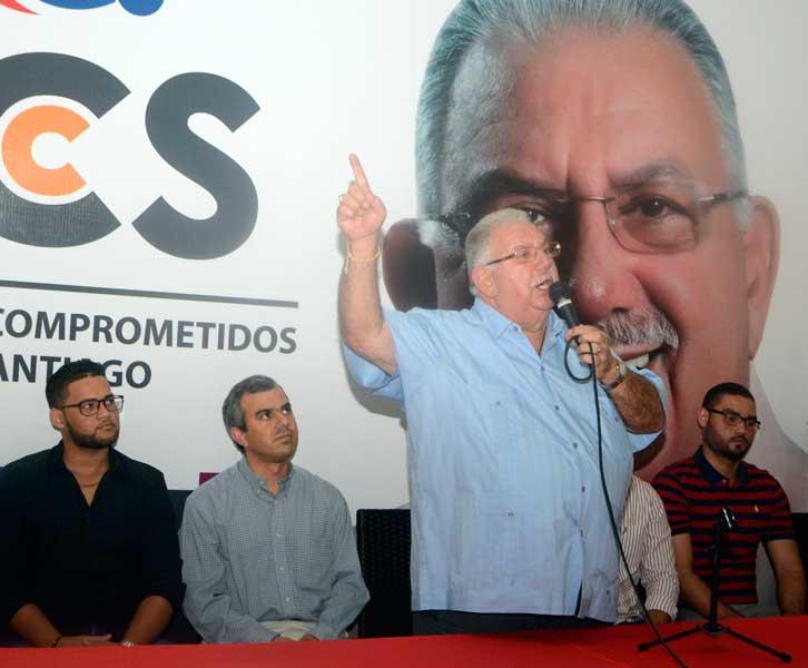 José Enrique Sued: la basura y desorden arropan Santiago
