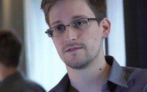 Snowden apoya a Apple en disputa con FBI