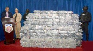 Decomisan 984 paquetes de drogas costa Barahona