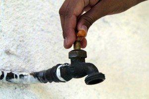 Sectores de Santiago no tendrán agua