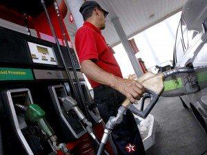 Congelados los precios de los combustibles