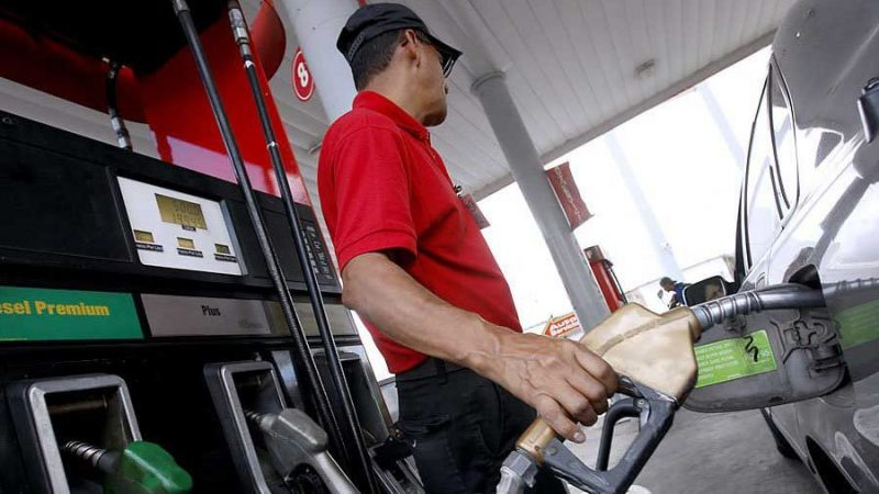Anuncian nuevas alzas en precios de combustibles