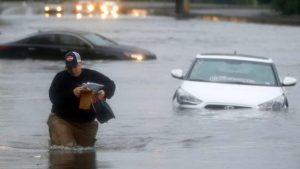 Inundaciones matan cinco personas en Texas