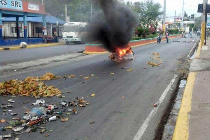 Acusan oposición de agitar protestas SFM