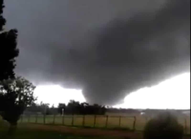 Tornado mata cuatro personas en Uruguay