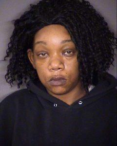 Texas: Mujer ataba hijos con cadenas y collares perro