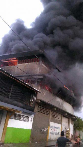 Video: Fuego mercado La Vega fue por escape gas