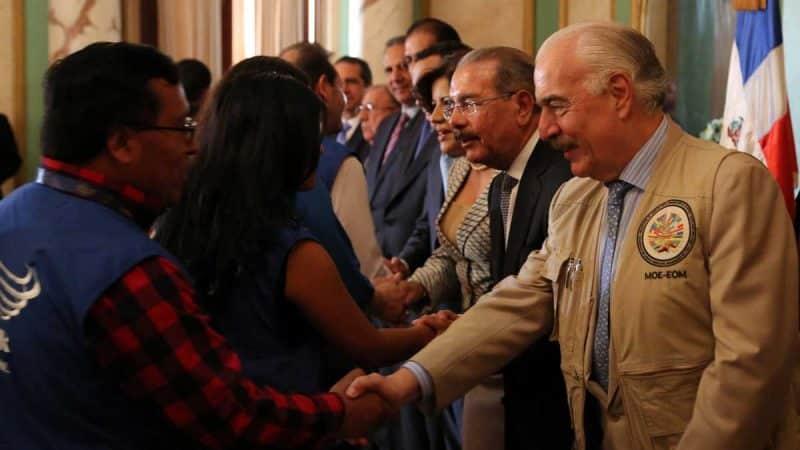 Video: Observadores electorales visitan presidente Danilo Medina