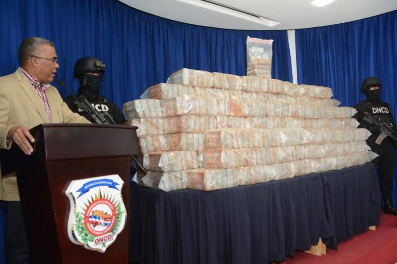 Ocupan 748 kilos cocaína y 964 mil dólares