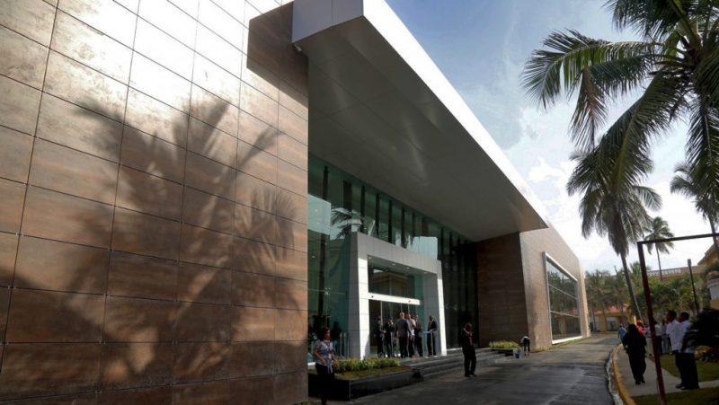 Gobierno inaugura Centro Convenciones Cancillería