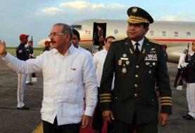 Danilo Medina llega al país tras participar reunión SICA