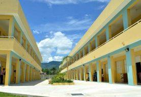 Danilo Medina entrega cuatro escuelas en Santiago