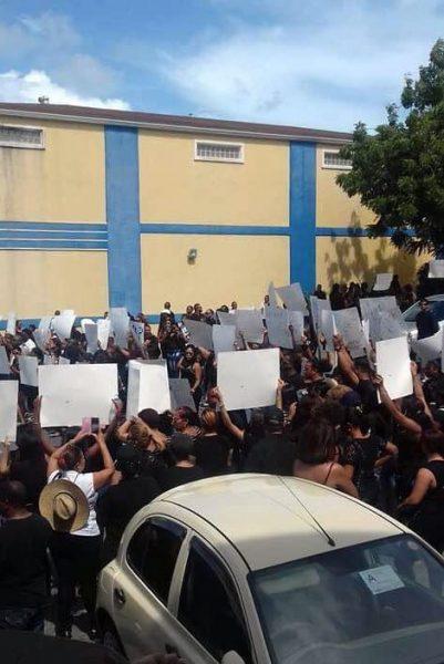 Dominicanos protestan en islas Turcas y Caicos