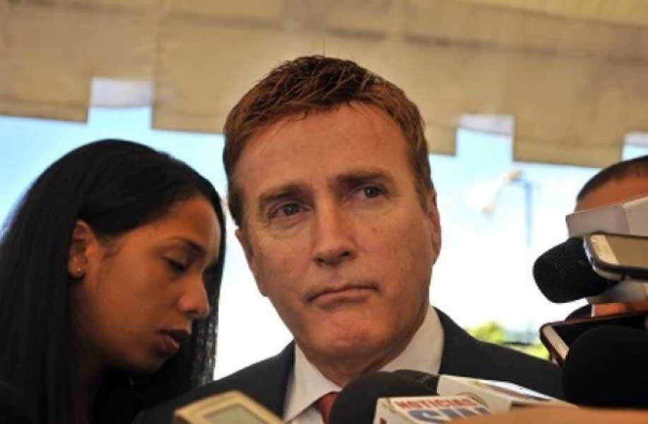Embajador Brewster dice EEUU apoya investigaciones Súper Tucanos