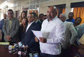 Denuncian entrega irregular apartamentos en Santiago