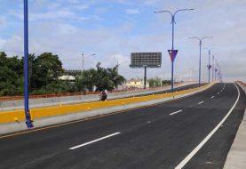 Danilo Medina inaugura elevado de Boca Chica