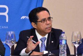 Economista sugiere reducir tasas fiscales