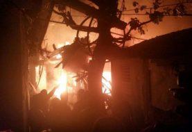 Fuego afecta más de 20 viviendas en la Yagüita del Ejido