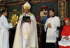 Monseñor Francisco Ozoria Acosta toma posesión como arzobispo
