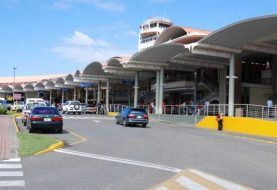 Acusan a 4 de asaltar viajeros cuando salían del aeropuerto Cibao
