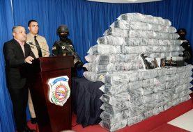 DNCD y Armada decomisan 575 paquetes de drogas