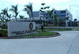 Embajada de EEUU suspende operaciones por sustancia desconocida