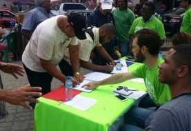 Comienza en Santiago firma libro verde