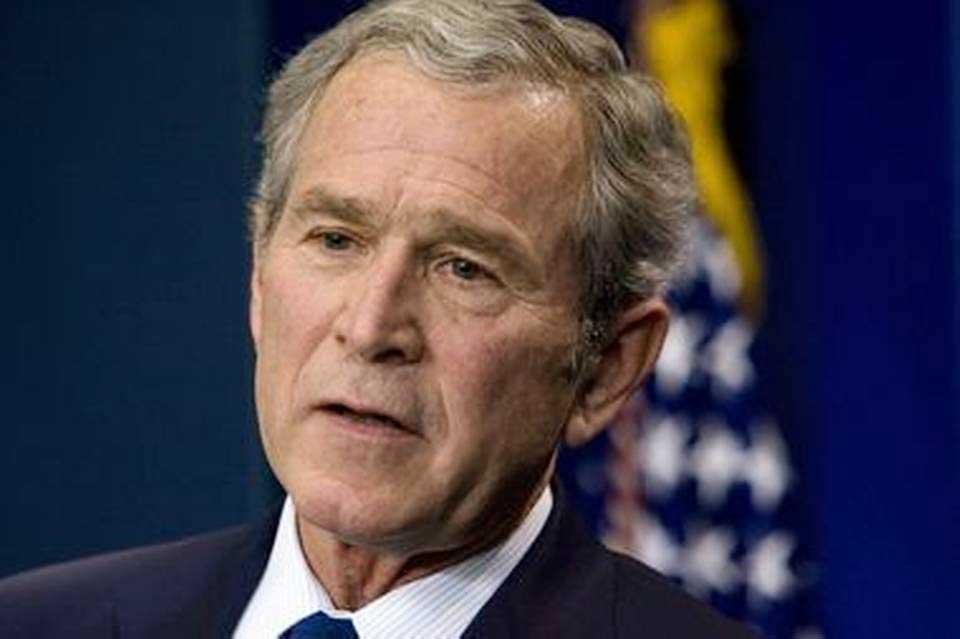 """George W. Bush: """"Necesitamos respuestas"""" sobre Rusia"""