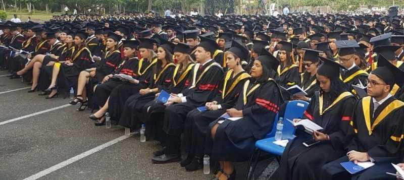 PUCMM gradúa a 1,011 nuevos profesionales