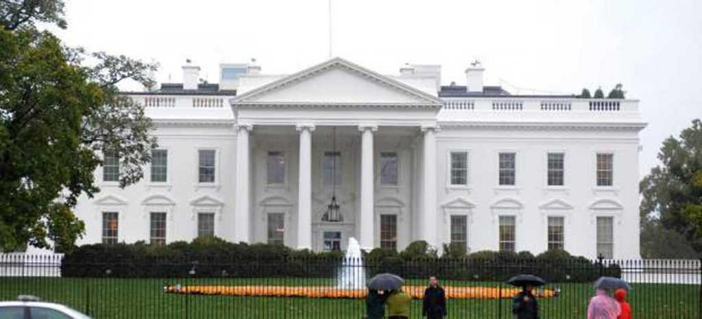 Casa Blanca confirma discusión informe Trump-Rusia con FBI