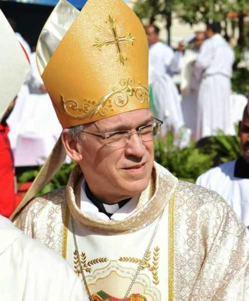 Masalles critica al sacerdote Mario Serrano por el aborto