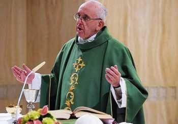 El papa Francisco apoya idea de cambiar frase en el padrenuestro