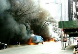 Incendio en varios vehículos en down town  Manhattan provoca pánico