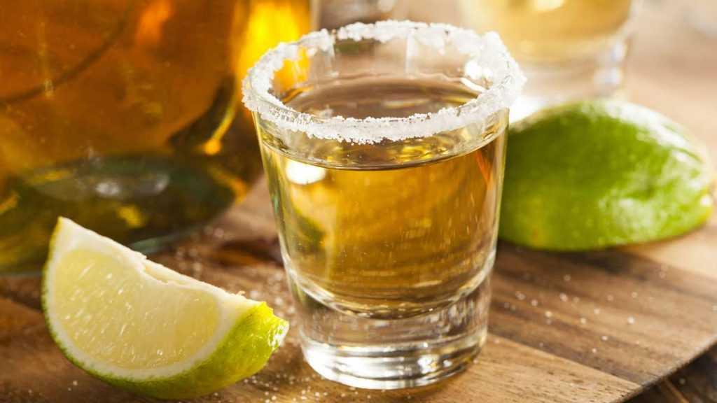 Joven muere durante apuesta tomando tequila