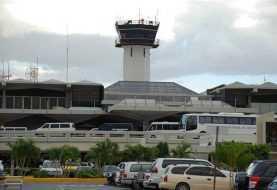 Aerodom dice algunas aerolíneas cancelan vuelos por María