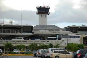 Aerolíneas cancelan algunos vuelos por huracán Irma