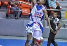 De León y Glen mantienen invicto al CDP en Basket de Santiago