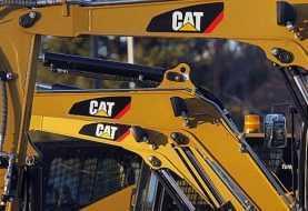 Agentes federales incursionan en instalaciones de Caterpillar