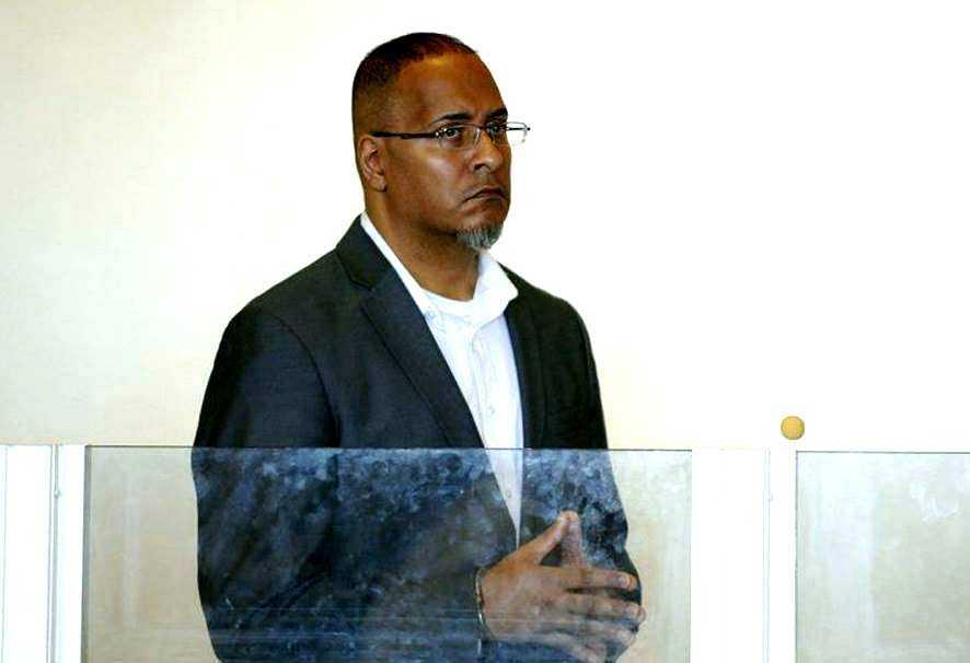 Dominicano será enjuiciado en Lawrence acusado de violar reclusa en un área de la corte