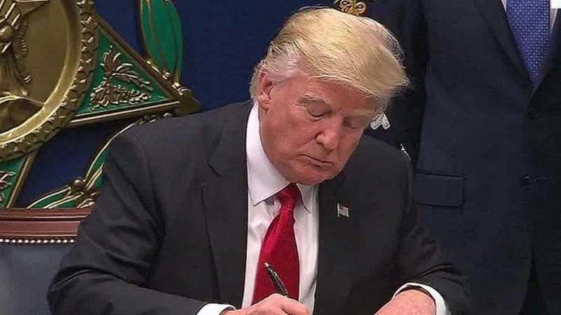 Trump promete batalla judicial contra bloqueo decreto migratorio
