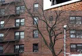 Intento suicidio en Queens paraliza sector por varias horas