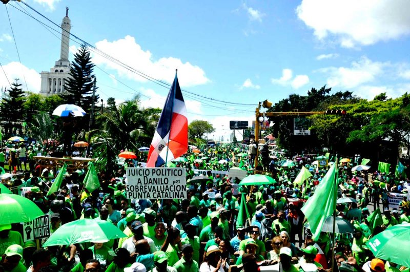 Miles exigen fin de la impunidad en marcha verde de Santiago