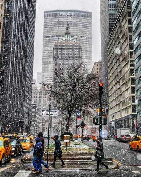 Nieve acompañada de frío y cambio de hora en Nueva York