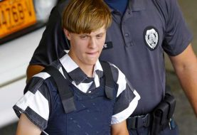 Nueve cadenas perpetuas para asesino de Charleston