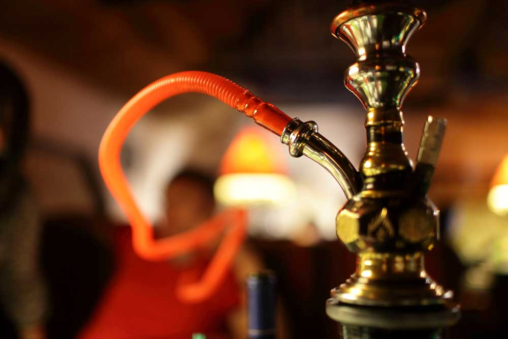 Salud Pública prohíbe uso de hookah en lugares cerrados