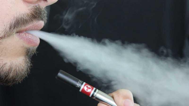 Proponen prohibir uso cigarrillos electrónicos en NY