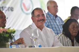 Danilo celebra Día del Agricultor; anuncia aumento salarial para técnicos del sector