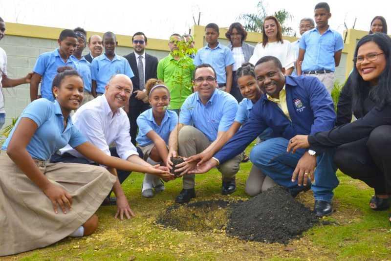 República Dominicana plantará 30 millones de árboles a través de las escuelas